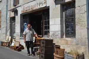 Antiquités & Vins anciens – de Galzain