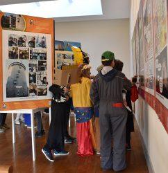 [:fr] Les écoliers de l'école de Saint Romain en visite à l'office de tourisme.[:]